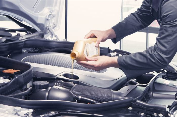 Oleje syntetyczny, półsyntetyczny czy mineralny - który wybrać?